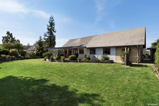 Villa på Kastanievej i Lille Skensved - Ejendommen