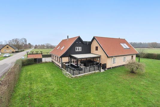 Villa på Østerskovvej i Karise - Ejendommen