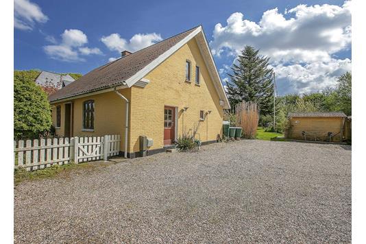 Villa på Rødmevej i Stenstrup - Ejendommen