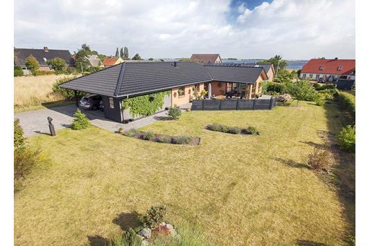 Villa på Østervænget i Marstal - Ejendommen