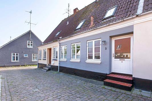 Villa på Korsgade i Marstal - Ejendommen