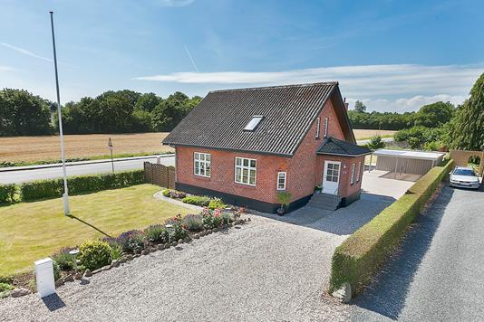 Villa på Skerningegårdsvej i Vester Skerninge - Ejendommen