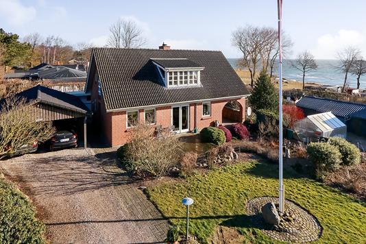 Villa på Hesselbjergvej i Tranekær - Ejendommen