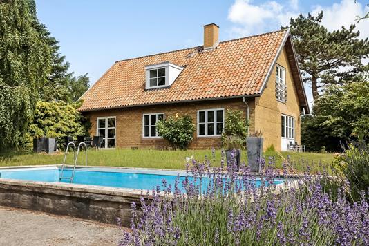 Villa på Møllemosevej i Rudkøbing - Ejendommen