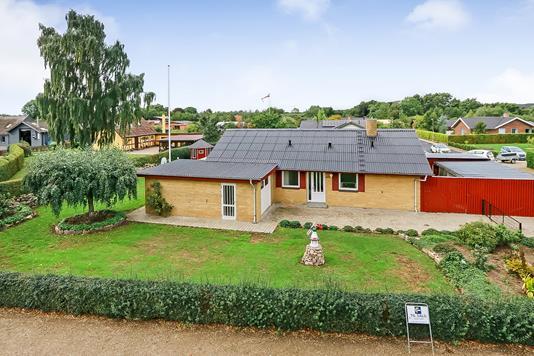 Villa på Birkevej i Vester Skerninge - Ejendommen