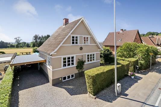 Villa på Assensvej i Stenstrup - Ejendommen