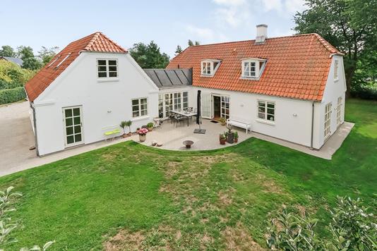 Villa på Nyvej i Vester Skerninge - Ejendommen