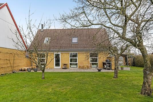 Villa på Præstemarken i Vester Skerninge - Ejendommen