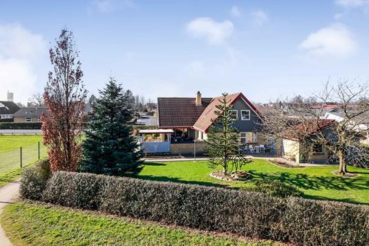 Villa på Emil Rostrups Vej i Skårup Fyn - Ejendommen