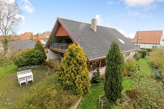 Villa på Skovbakken i Rudkøbing - Ejendommen