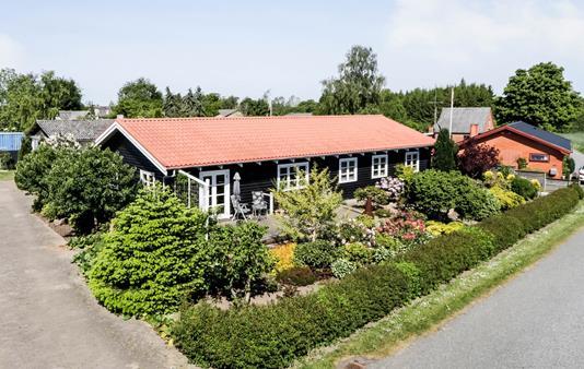 Villa på Bagvejen i Vejstrup - Ejendommen