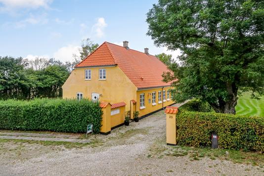 Rækkehus på Simmerbølle Kirkevej i Rudkøbing - Ejendommen