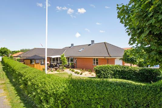 Villa på Højvangen i Ringkøbing - Set fra haven