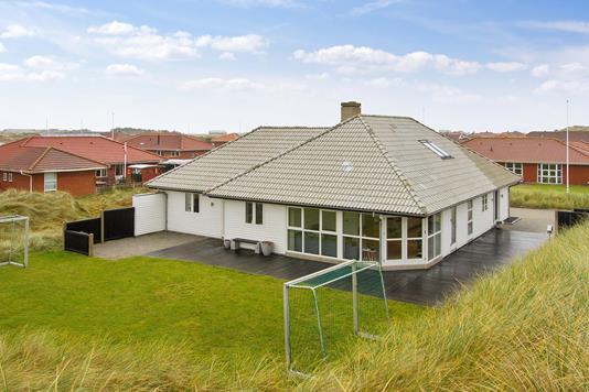 Villa på Geflevej i Hvide Sande - Set fra haven