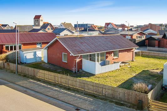 Villa på Stormgade i Hvide Sande - Set fra vejen