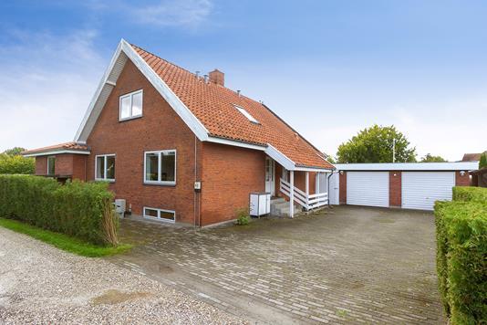 Villa på Landsbygaden i Taastrup - Set fra vejen