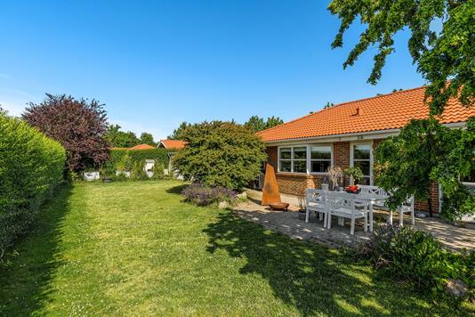 Villa på Nøddekrattet i Taastrup - Set fra haven