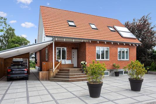 Villa på Rugkærgårdsvej i Taastrup - Set fra vejen