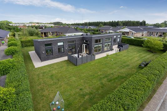 Villa på Lindegårdsager i Hedehusene - Set fra haven