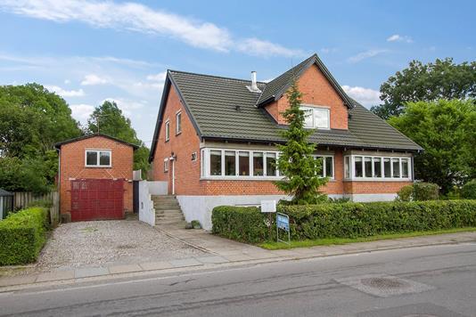 Villa på Aagade i Storvorde - Ejendommen