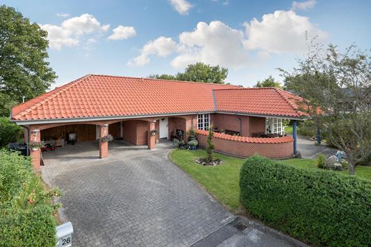 Villa på Niels Bugges Vej i Nibe - Ejendommen