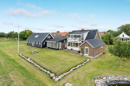 Villa på Brogade i Løgstør - Ejendommen