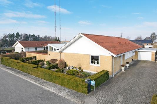 Villa på Kalmanparken i Aalborg SV - Ejendommen