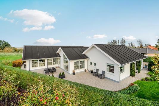 Villa på Brahmsvej i Aalborg SV - Ejendommen