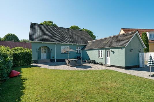 Villa på Dokkedalvej i Storvorde - Ejendommen