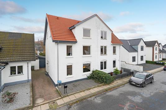 Villa på Fjordvej i Aalborg Øst - Ejendommen