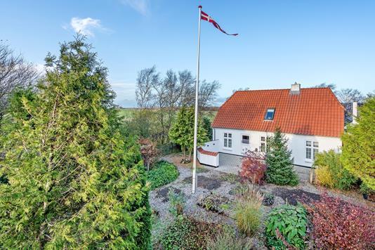 Landejendom på Brorholtvej i Nørresundby - Ejendommen