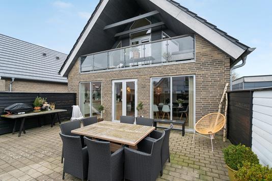 Villa på Indkilde Alle i Aalborg SØ - Terrasse