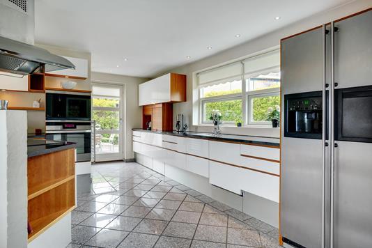Villa på Regnar Juels Vej i Aalborg SØ - Køkken