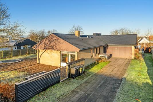 Villa på Lindenborgvej i Aalborg SV - Ejendommen