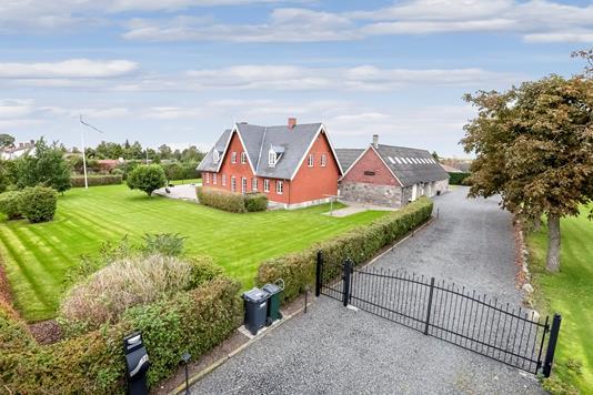 Villa på Trælløsevej i Herlufmagle - Ejendommen