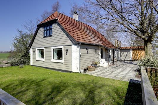Villa på Skuderløsevej i Haslev - Ejendommen