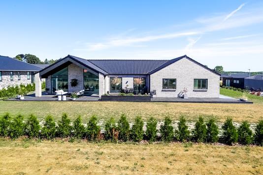 Villa på Jenstrup Huse i Haslev - Ejendommen