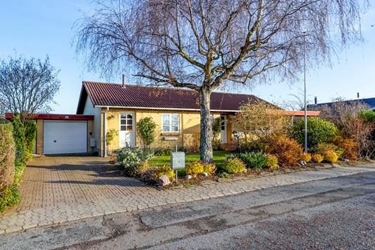 Villa på Elmevej i Glumsø - Ejendommen