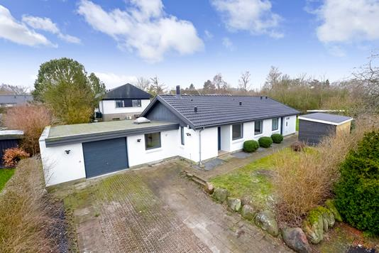 Villa på Sandbyparkvej i Glumsø - Ejendommen