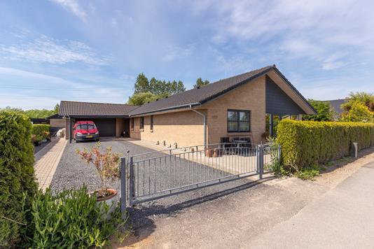 Villa på Fælledvej i Ringsted - Ejendommen