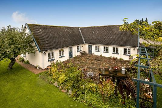 Villa på Bygaden i Brøndby - Ejendommen
