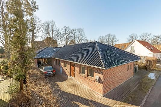Villa på Hvidpilevej i Glostrup - Ejendommen