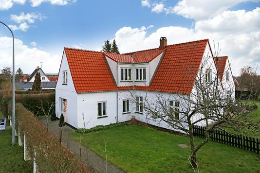 Villa på Carl Blochs Alle i Søborg - Ejendommen