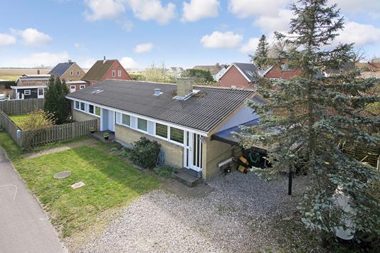 Villa på Lindevej i Skævinge - Ejendommen