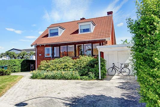Villa på Jacob Bulls Alle i Søborg - Ejendommen