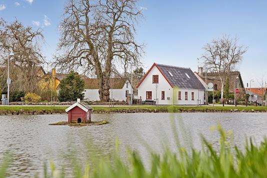 Villa på Ved Kæret i Taastrup - Ejendommen