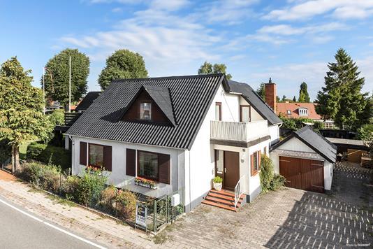 Villa på Hovedgaden i Karlslunde - Andet