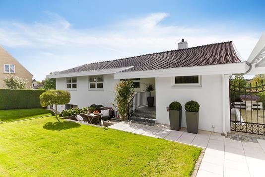 Villa på Stenhøjgårdsvej i Birkerød - Set fra haven