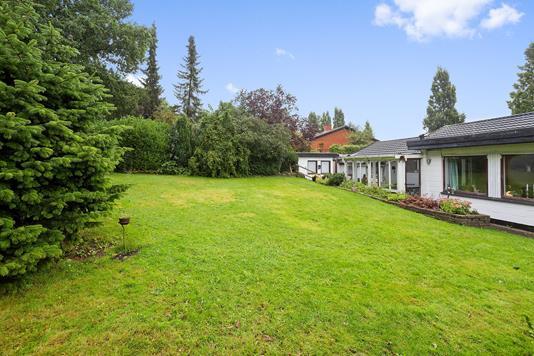 Villa på Eskemosegårds Alle i Birkerød - Set fra haven