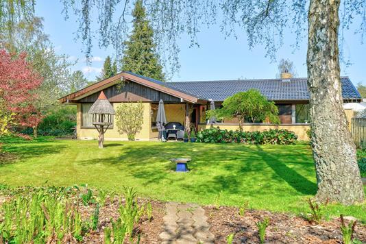 Villa på Sjælsøvej i Birkerød - Set fra haven